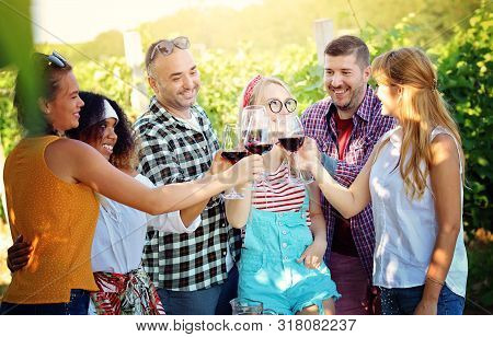 Happy Friends Having Fun Outdoor At Countryside - Young Friends Having Fun At Vineyard - Youth Frien