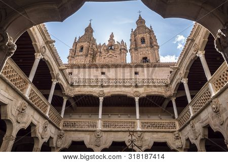 Salamanca, España: August 18, 2019: The University Of Salamanca Was Founded In 1134. It Is The Oldes