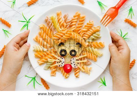 Fun Food Idea For Kids Lunch, Animal Shaped Food Art - Colorful Fusilli Vegetables Pasta With Sandwi