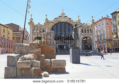 Zaragoza, Spain - May 26, 2017: This Is A Monument To Caesar Augustus In The Square In Front Of The