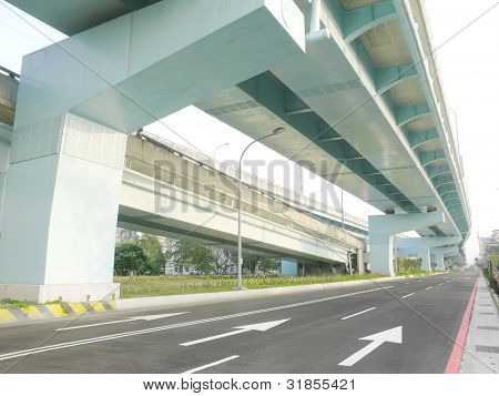 Bridge and roadway in city