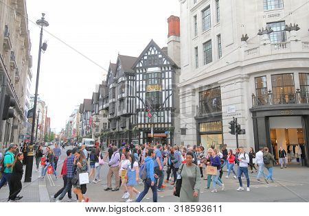 London England - June 3, 2019: Unidentified People Visit Shopping Street Oxford Circus Cityscape Lon