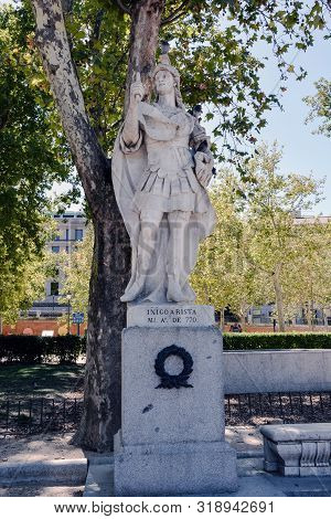 Madrid-september, 13,2017: Statue King Of Navarra Inigo Arista On Square Oriente In Madrid-on Septem