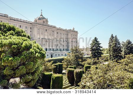 Madrid-september, 13 September 2017: The Royal Palace From Sabatini Gardens In Madrid-on Madrid, Spa