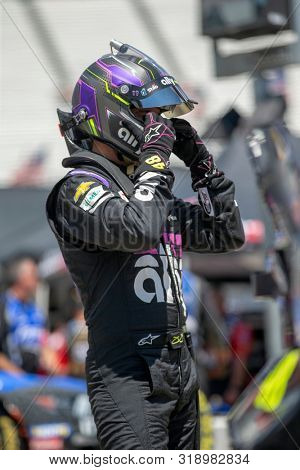 August 16, 2019 - Bristol, Tennessee, USA: Jimmie Johnson (48) takes to the track to practice for the Bass Pro Shops NRA Night Race at Bristol Motor Speedway in Bristol, Tennessee.