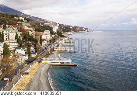 Yalta. Crimea. Winter 2020. Yalta Samostroy From The Embankment Side. Coastal Houses Of The Southern