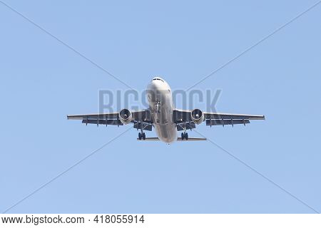 Istanbul, Turkey - February 06, 2021: Mng Airlines Airbus A300c-605r (cn 758) Landing To Istanbul At