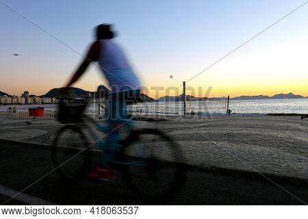 Dawn at Copacabana beach, the main tourist spot in Rio de Janeiro