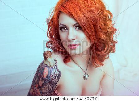 Mujer pelirroja sensual