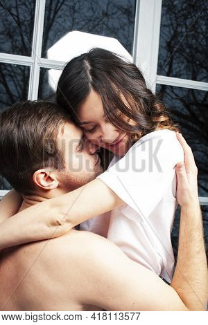 Young Pretty Couple Together In Bed Sleeping Chill, Lifestyle People Concept