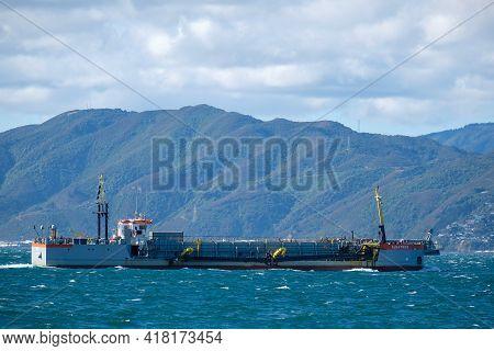 Wellington Harbour, New Zealand 25th April 2021. Dredger Tshd Albatros
