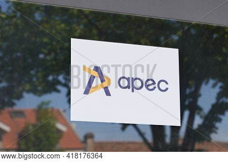 Bordeaux , Aquitaine France - 04 22 2021 : Apec Logo Sign And Text Brand Association For The Employm