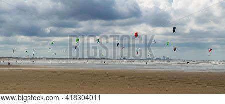 Ijmuiden Aan Zee, The Netherlands August 23, 2020. Kite Surfers Enjoying The Wind And Waves Of The L