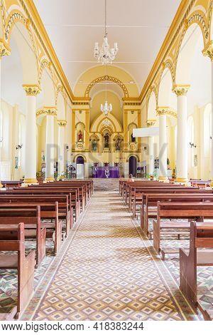 São Roque De Minas - Mg, Brazil - December 14, 2020: Indoors Of The Mother Church, The Parish Of São