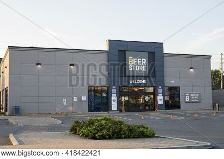 Ottawa, Canada - August 13,2020: Beer Store Building At College Square In Ottawa, Canada