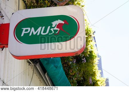 Bordeaux , Aquitaine France - 04 22 2021 : Pmu Logo Text And Brand Sign Store French Shop Horse Race