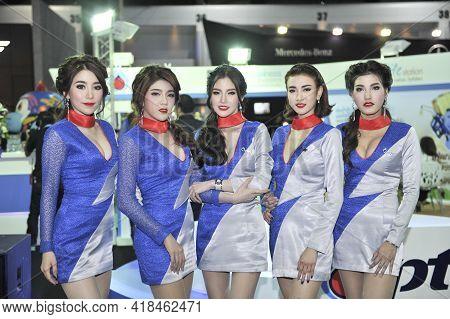 Bangkok-december 1 Pretty At  Motor Expo 2015 On Decrmber1  , 2015  In Bangkok, Thailand