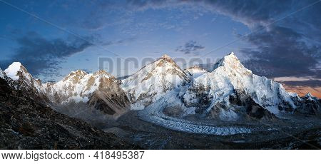 Panoramic View Of Mount Everest, Lhotse And Nuptse From Pumo Ri Base Camp - Way To Mount Everest Bas