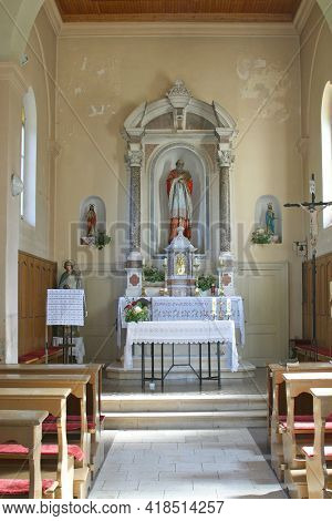 LUN, CROATIA - AUGUST 17, 2013: The main altar in the parish church of St. Jerome in Lun, Croatia