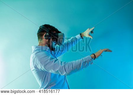 Man Connection With Abstract Web And Chains In Virtual Reality