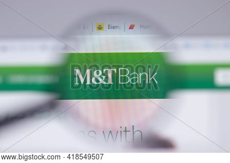 New York, Usa - 26 April 2021: M T Bank Logo Close-up On Website Page, Illustrative Editorial