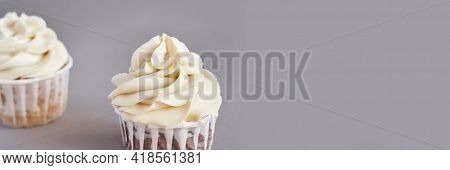 Milky Cream Cupcake. Birthday Sweet Bakery. Cookies. Yummy Buttercream Dessert. Wedding Party Food.
