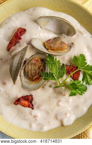 Fresh Hot New England Clam Chowder Soup With Bacon And Crackers