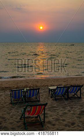Sunset On Pattaya Beach.the Famous Tourist Attraction In Thailand.