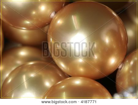 The Gold Pearls