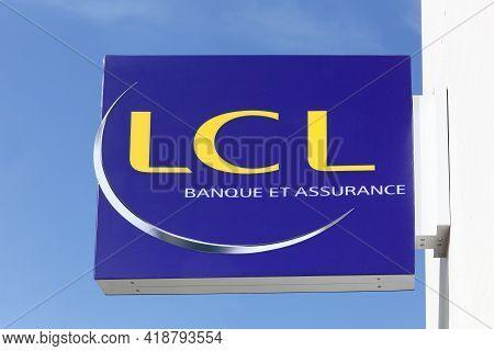 Lyon, France - April 9, 2019: Lcl Or Credit Lyonnais Logo On A Wall. Credit Lyonnais Is A Historic F