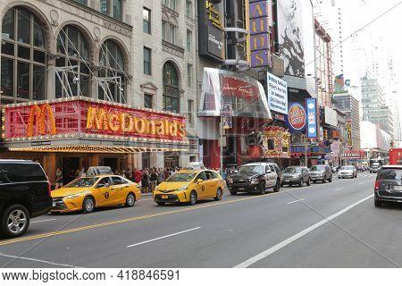 New York City, Ny, Usa 2.09.2020 - Madame Tussauds Ny Worlds Greatest Wax Museum. Mcdonalds And Car