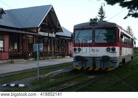 Tatranska Lomnica, Slovakia - June 9, 2014: Regional Dmu From Zssk Slovak Railways Ready For Departu