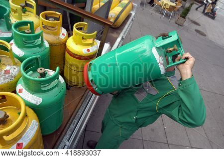 Bottled Gas In Gas Cylinders
