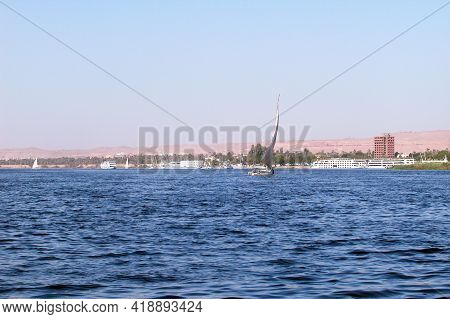 Inland Navigation And River Shipping On The Nile