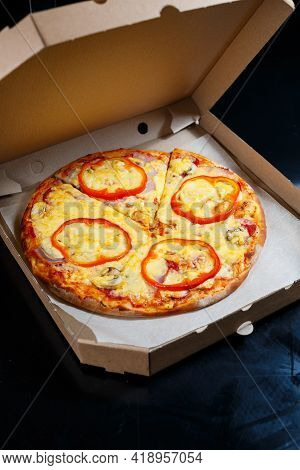 Italian Pizza Delivery. Delicious Oven Baked Pizzeria Dish With, Mozzarella, Parmesan And Cheese, De