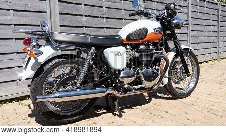 Bordeaux , Aquitaine France - 04 22 2021 : Triumph Bonneville T100 Bonnie Vintage Classic Bike Side