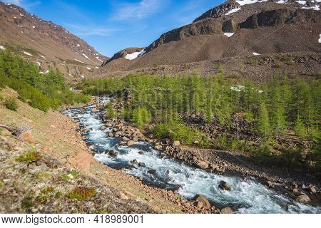 River Hoisey. Polar Day On Putorana Plateau, Taimyr. Krasnoyarsk Territory, Russia