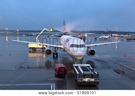 Deicing Of The Lufthansa Plane