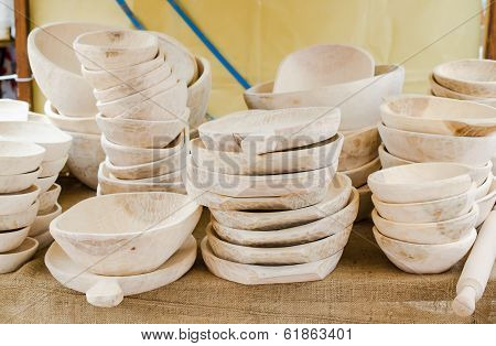 Wooden items for kitchen,plates,bowl,etc