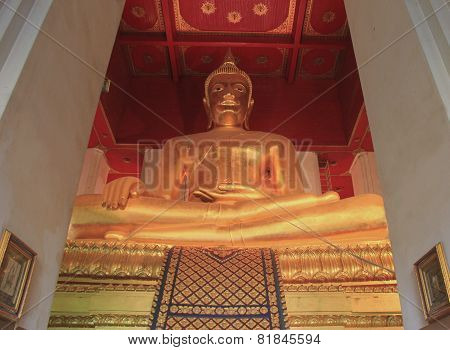 Buddha At Watmongkolbophit Temple