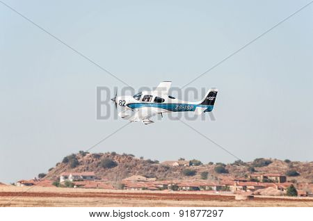 Beechcraft A36 Takes Off In The Presidents Trophy Air Race