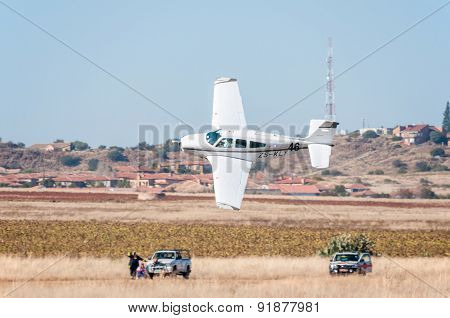 Beechcraft F33A Takes Off In The Presidents Trophy Air Race