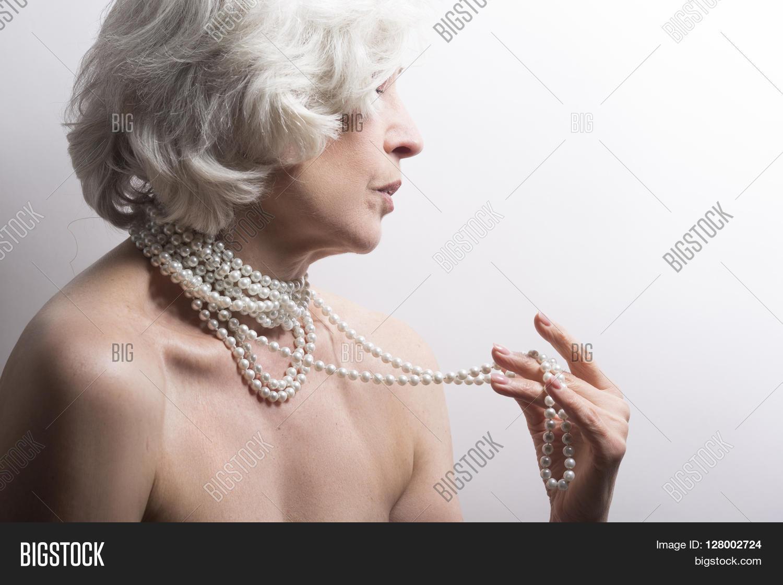 Beautiful naked mature women pic gallery scraeming milf