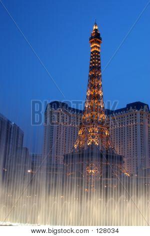 Eifel In Las Vegas With Fountain