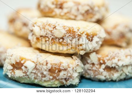 Cookies preparation : Cookies of caramelised milk and nuts