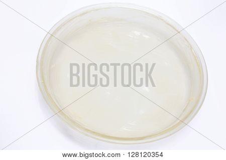 Quiche lorraine preparation : Glass baking dish greased