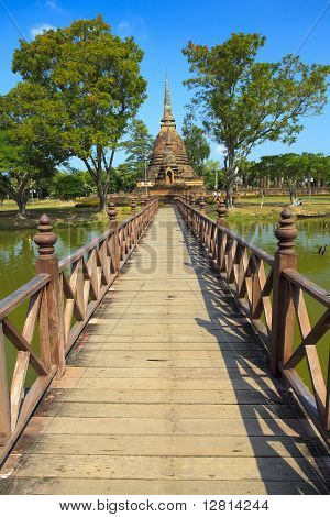Wat Sa Si Temple in Sukhothai Historical Park