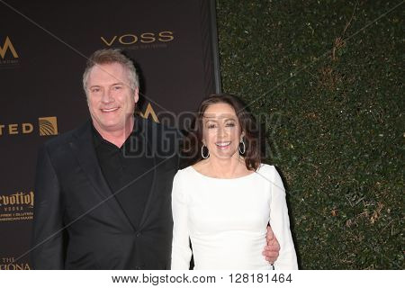 LOS ANGELES - APR 29:  David Hunt, Patricia Heaton at the 43rd Daytime Emmy Creative Awards at the Westin Bonaventure Hotel  on April 29, 2016 in Los Angeles, CA