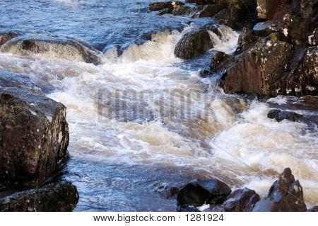 Bracklin Falls Top Horizontal