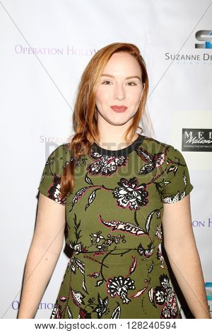 LOS ANGELES - APR 30:  Camryn Grimes at the Suzanne DeLaurentiis Productions Gifting Suite at the Dylan Keith Salon on April 30, 2016 in Burbank, CA
